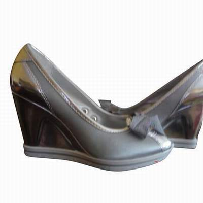 1016c66c3f90 chaussure guess talon aiguille